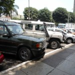 75-landrovers-in-miraflores