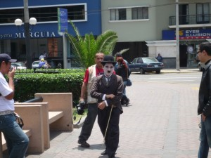78-chaplin-spotted-in-lima