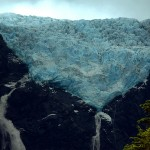 24-np-queulat-5-min-view-of-the-glacier